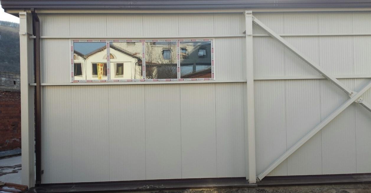 Метално хале и прозорци